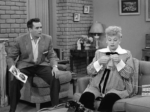 lucille ball and desi arnaz knitting