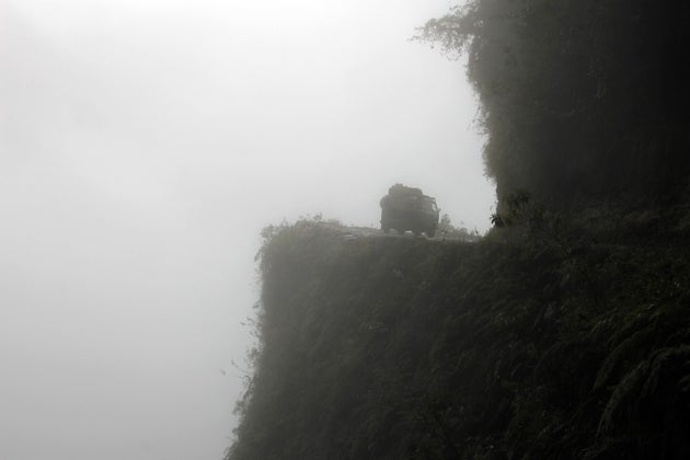 Poor Visibility and Accidents at North Yungas Road