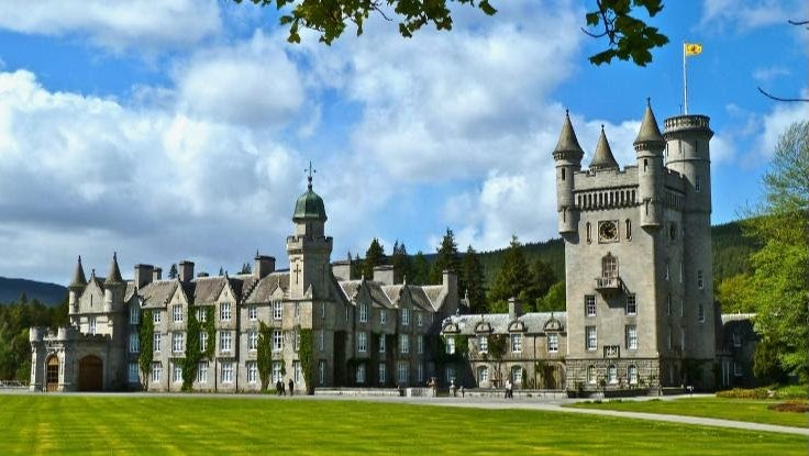 Fabulous Homes and Properties of the World's Royal Families
