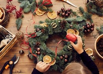 How to Make Festive DIY Holiday Wreaths This Winter
