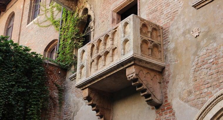Balcony 2984316 1280