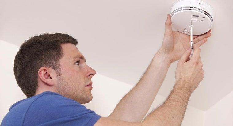 carbon-monoxide-alarm-goes-off-stops