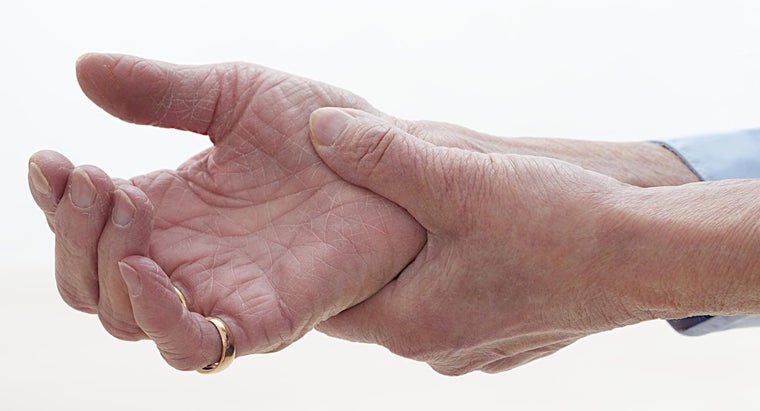 causes-hand-cramps-spasms