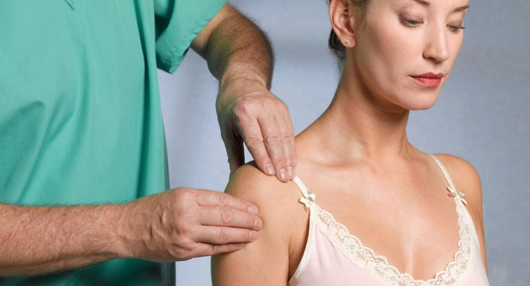 causes-stabbing-pain-left-shoulder