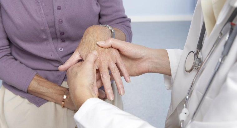 causes-swollen-hands-tingling-fingers