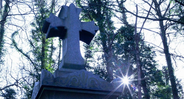 cemetery-headstones-face-east
