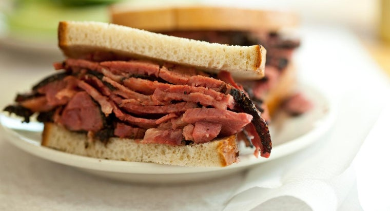 difference-between-pastrami-corned-beef