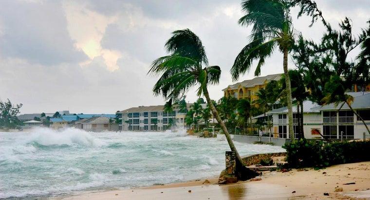 fast-hurricanes-travel