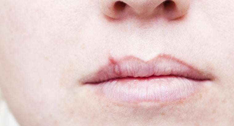 first-sign-lip-cancer