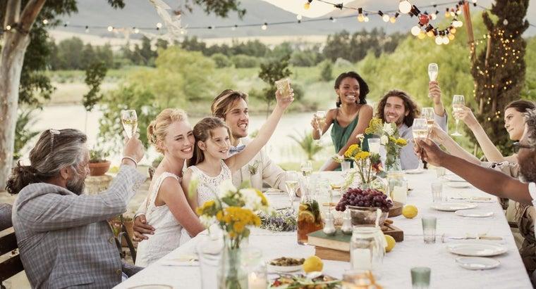 gives-wedding-toasts