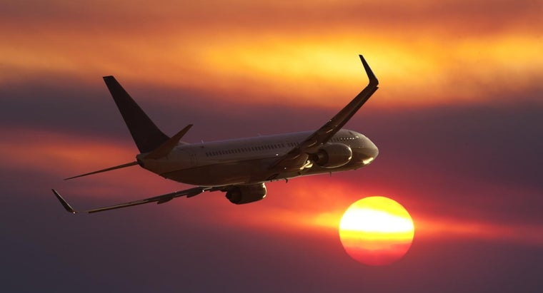 long-would-passenger-plane-fly-around-sun