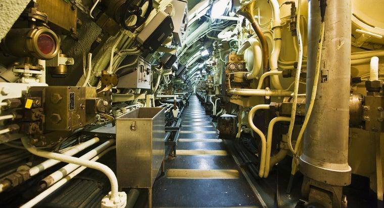 inside-submarine