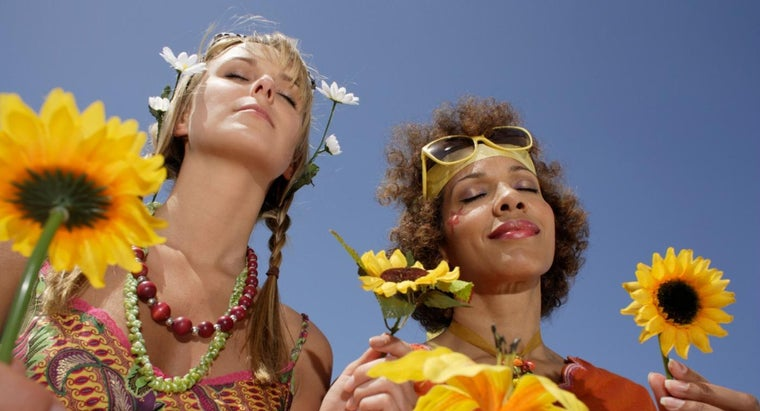 kind-makeup-did-hippies-wear