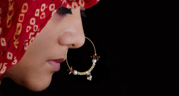 long-can-leave-nose-ring-out