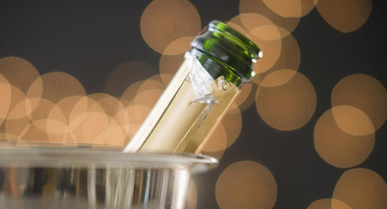 long-champagne-last-after-opening