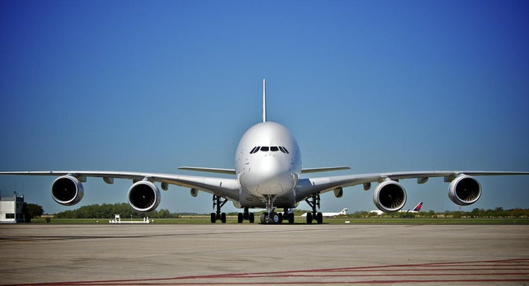 many-cabin-crew-members-a380