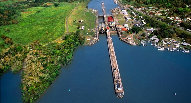 many-people-died-building-panama-canal