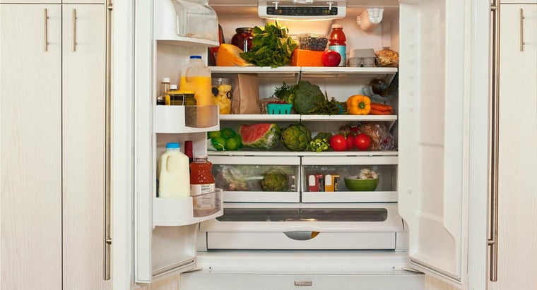 mean-refrigerator-works-attached-freezer