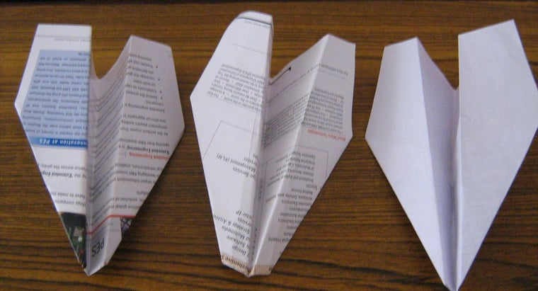 design-paper-airplane-affect-its-flight