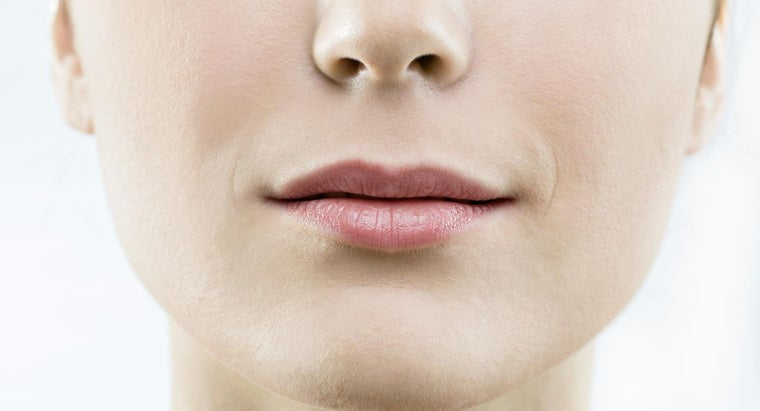should-treat-burned-lip