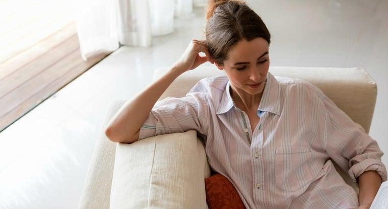 side-woman-wear-buttonhole